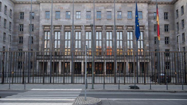 Almanya Maliye Bakanlığı: Türk Lirası'ndaki değer kaybı Alman ekonomisi için risk