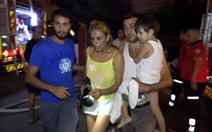 Adana'da korkutan yangın! Anne ve 2 çocuğu yanan evde mahsur kaldı!