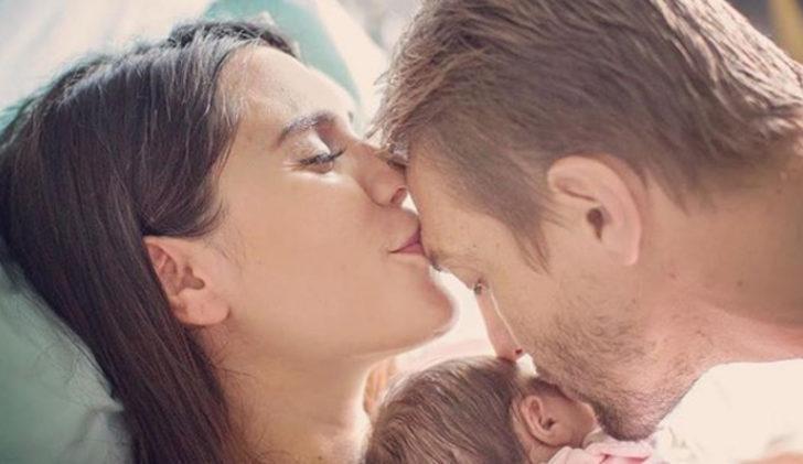 Bebekleriyle ilk poz