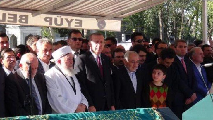 Cumhurbaşkanı Erdoğan, Ak Parti'li Erdem'in Babasının Cenaze Törenine Katıldı
