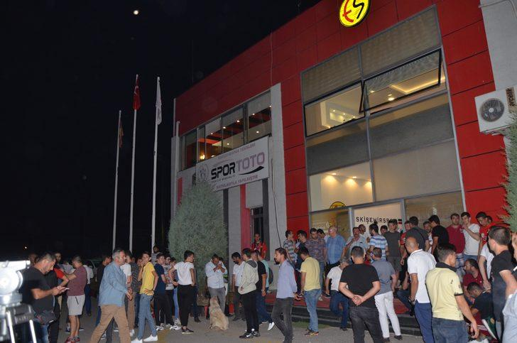 Eskişehirspor kapanma tehlikesiyle karşı karşıya kaldı!