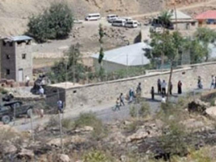 Tunceli'de 2 karakola saldırı: 1 şehit