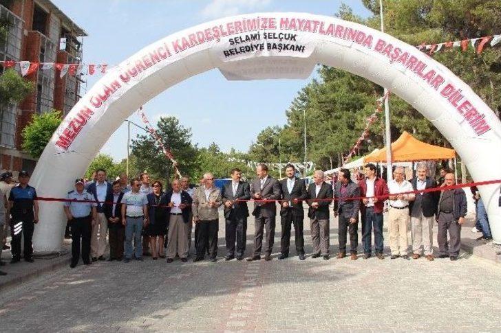 Demirci'de Eğitim Fakültesi Ve Myo'da Mezuniyet Şenlikleri Başladı