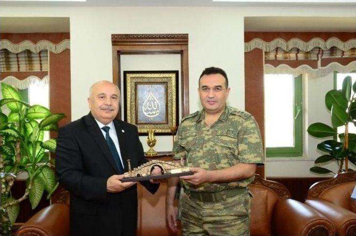 Albay Koyuer'den Veda Ziyareti