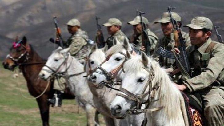 Van'da Kırgız süvari birliği