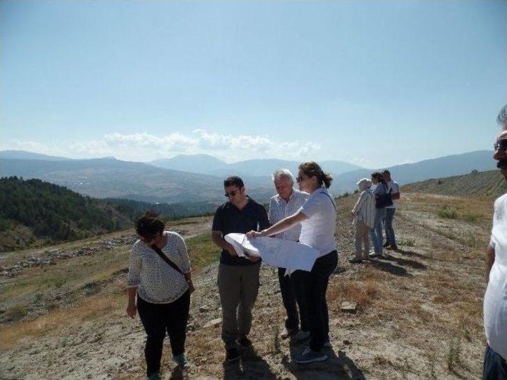 Bakan Yardımcısı Ceylan'dan Çöp Toplama Tesisi Müjdesi