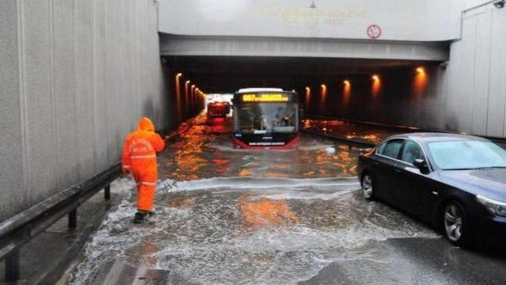 İzmir yağmura teslim!