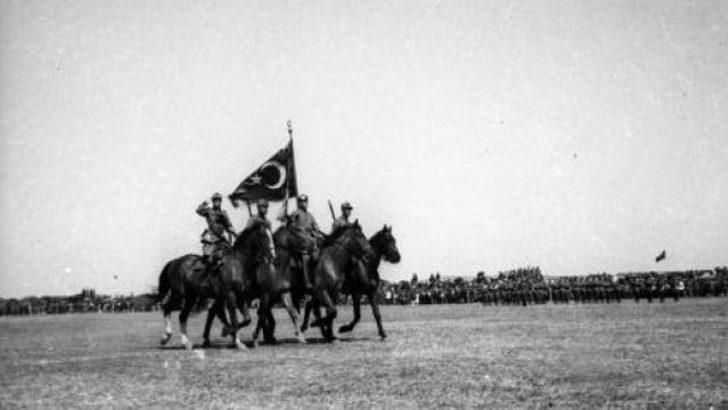 30 Ağustos zafer bayramı 69 yıl önce