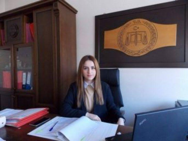 Orhaneli'ne Kadın Savcı