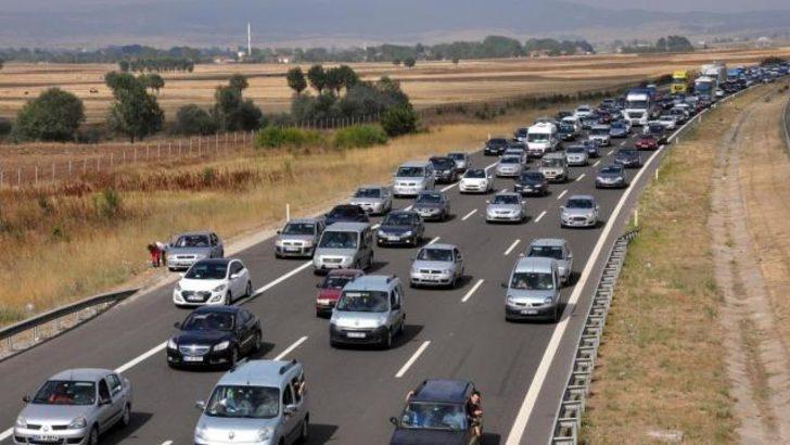 TEM'de 15 kilometre araç kuyruğu