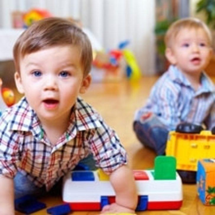 Çocuğunuzu erken yaşta kreşe vermeyin