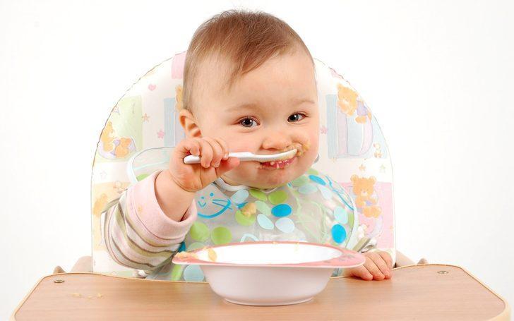 Bebeklerde ek gıdaya başlarken nelere dikkat edilmelidir?