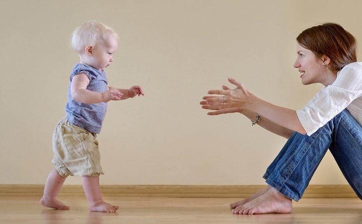 Bebek gelişiminde 12. ay
