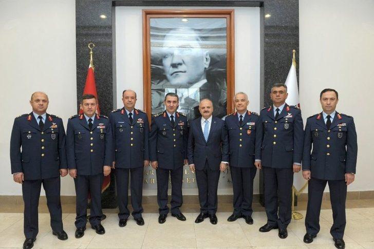 Komutanlar, Vali Özdemir Çakacak'a Hayırlı Olsun Ziyaretinde Bulundu