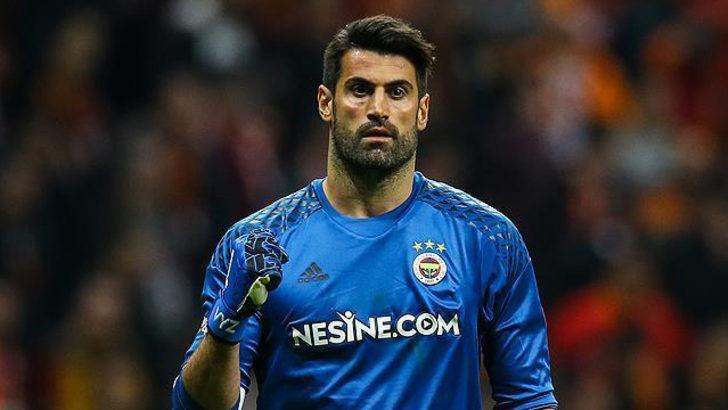 Fenerbahçe'de Volkan Demirel Harun Tekin ve Berke Özer'e taktik verecek