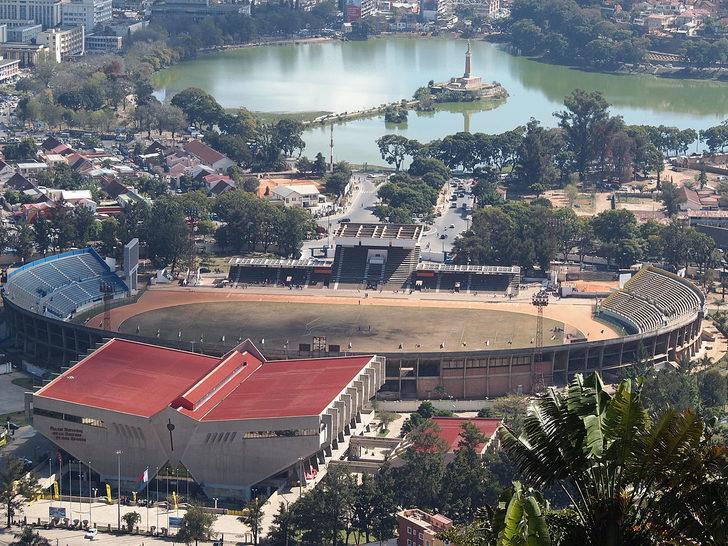 Madagaskar'da stadyum çöktü! 1 kişi hayatını kaybetti