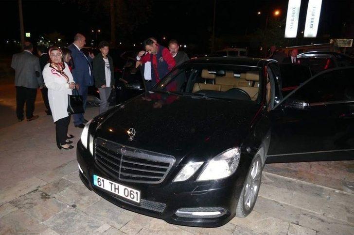 Başkan Gümrükçüoğlu Makam Arabasını Gaziye Tahsis Etti