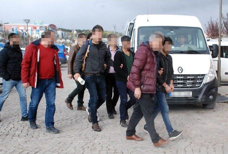 Gözaltına Alınan 3 Deaş Üyesi, Tutuklanarak Cezaevine Gönderildi