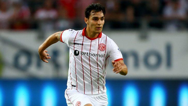 Kaan Ayhan Sassuolo'a transfer oldu