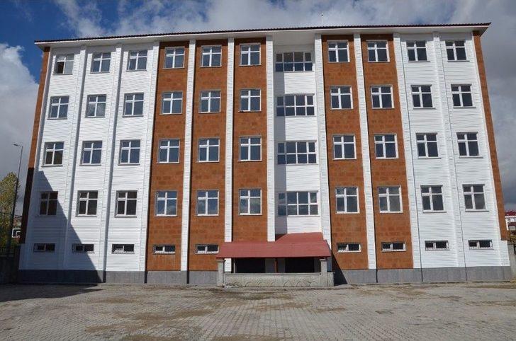 Tatvan'da 3 Pansiyon Ve 4 Okul İnşaatı Bitim Aşamasına Geldi
