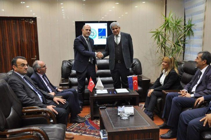 Kafkas Üniversitesi Ve Aras Elektrik İşbirliği Protokolü İmzalandı