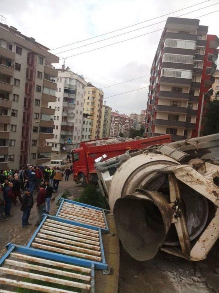 Trabzon'da 24 Saat İçinde Aynı Yerde İkinci Hafriyat Kamyonu Kazası: 2 Yaralı