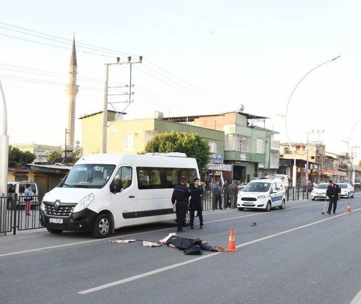 Minibüsün Çarptığı Suriyeli Genç Hayatını Kaybetti