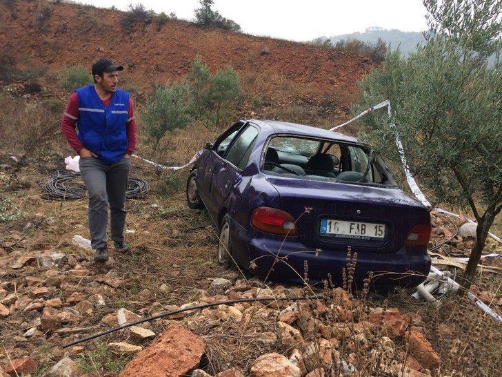 Otomobil Tarlaya Uçtu: 1 Ölü