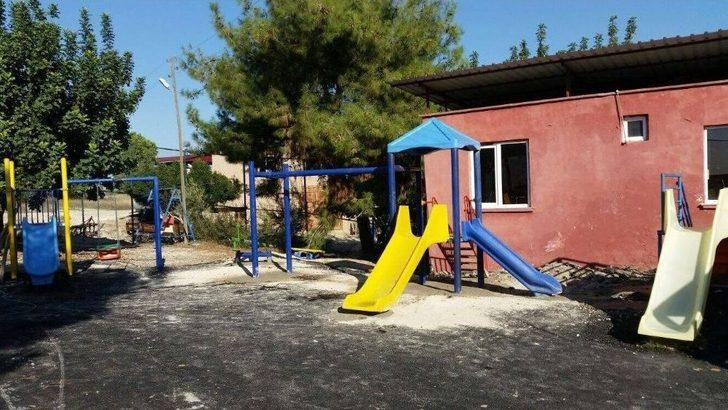 Akdeniz'de Okul Bahçelerine Çocuk Oyun Grupları Kuruluyor