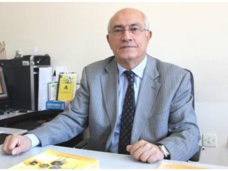 """Prof. Dr. Güler: """"fruktoz Şekeri Arı Ömrünü Kısaltıyor"""""""