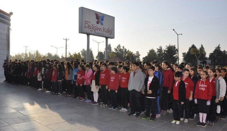 Gençler Atatürk'ü Yaşayarak Andılar