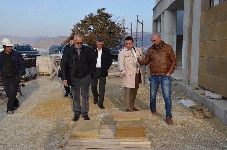 Başkan Bakıcı Medine Camii'nde İncelemelerde Bulundu