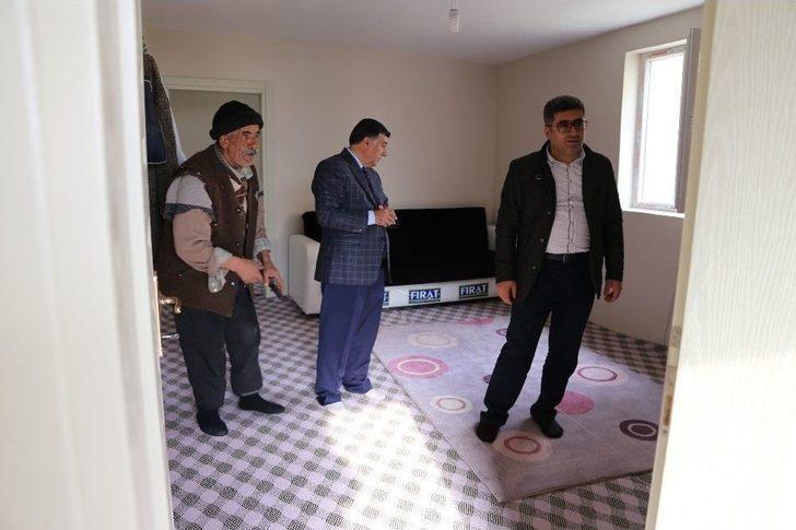 Kaymakam Çetin'den Yardıma Muhtaç Aileye Ziyaret