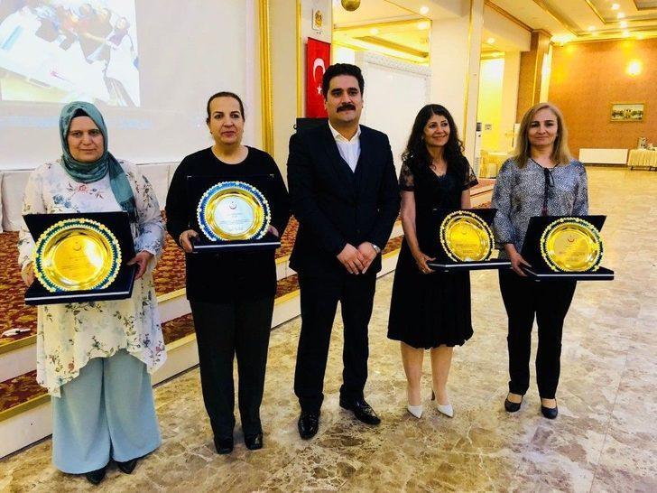 Mardin'de Sağlık Çalışanları İçin Tören Program Düzenlendi