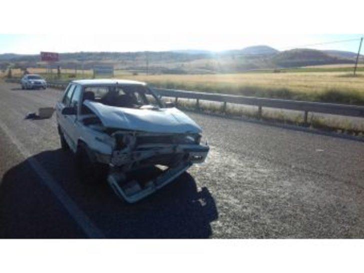 Gölbaşı'nda Otomobil Şarampole Uçtu: 3 Yaralı