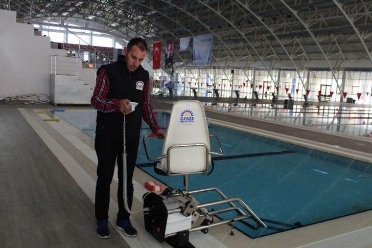 Olimpik Yüzme Havuzuna Engelli Asansörü
