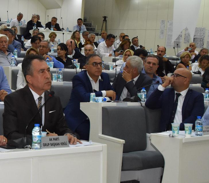"""AK Parti ile CHP'liler arasında """"gaz çıkarma"""" tartışması"""