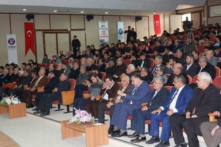 """Van'da """"yakın Tarih Okumaları"""" Konferansı"""