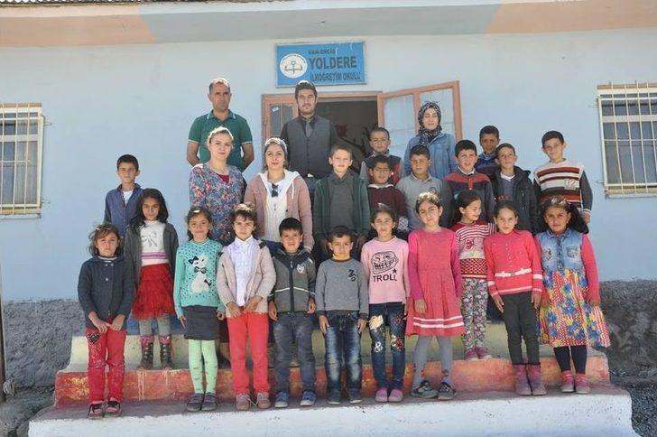 """Erciş'te """"101 Okul 101 Kütüphane Projesi"""""""