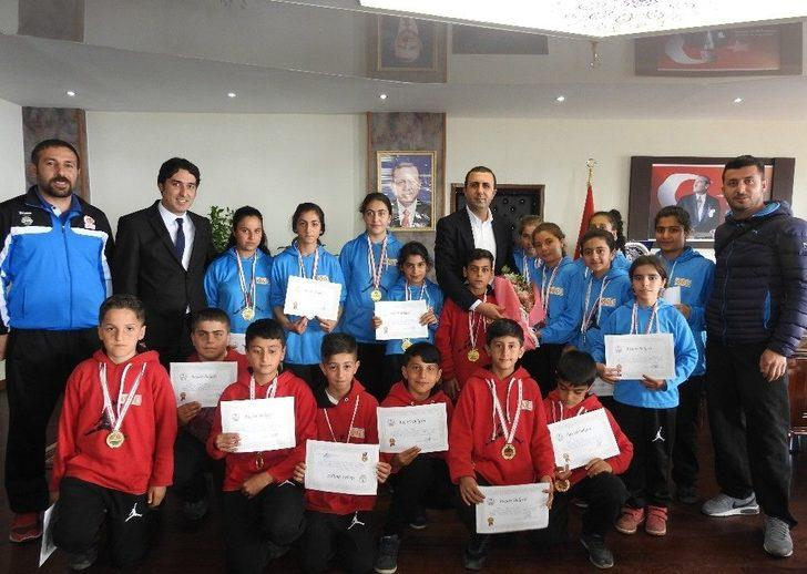 Sporculardan Başkan Bedirhanoğlu'na Ziyaret