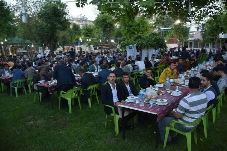 Vedaş Ve Türkerler Vepsaş'tan 15 Bin Kişiye İftar