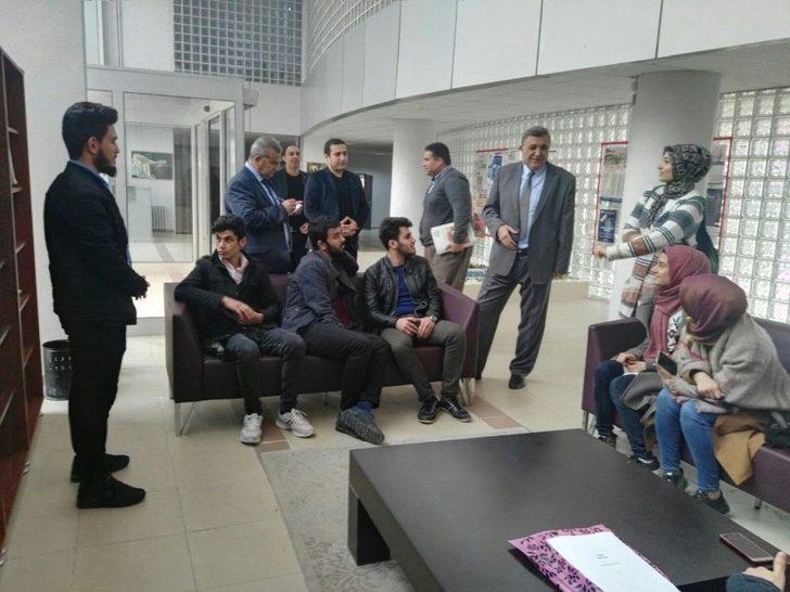 Rektör Taşaltın Kampüsü Gezerek Öğrencilerin Sorunlarını Dinledi