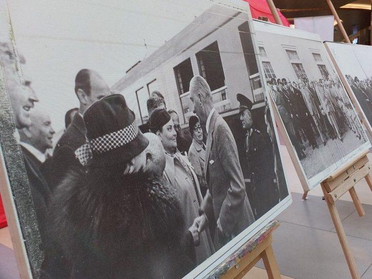 Avm 'de Atatürk Sergisi Açıldı