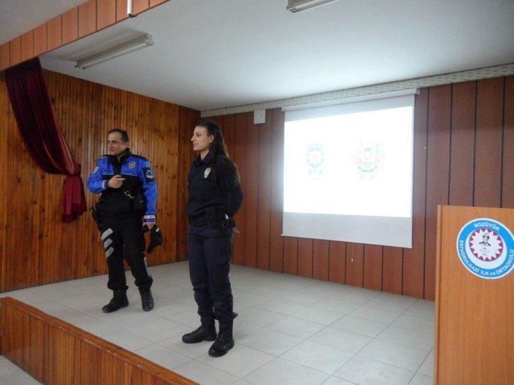 Polis Ekipleri 'güvenli İnternet Kullanımı' Semineri Verdi