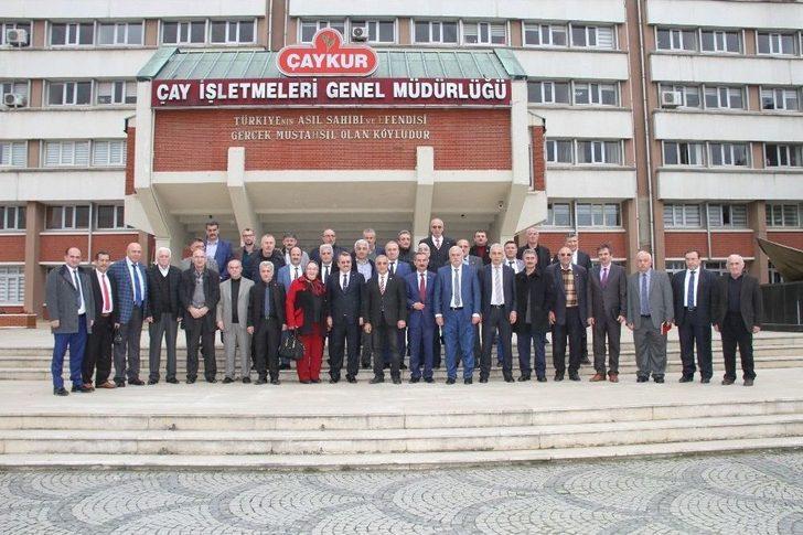 Rizeli Muhtarlardan Çaykur Genel Müdürü İmdat Sütlüoğlu'na Destek Ziyareti