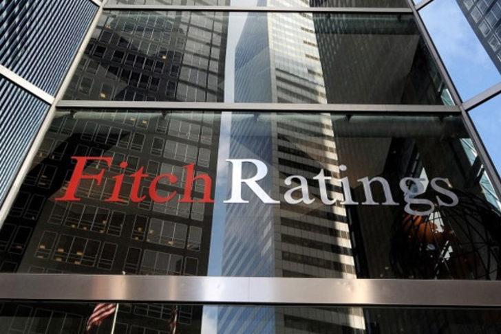 Fitch, 4 bankanın notlarını indirdi