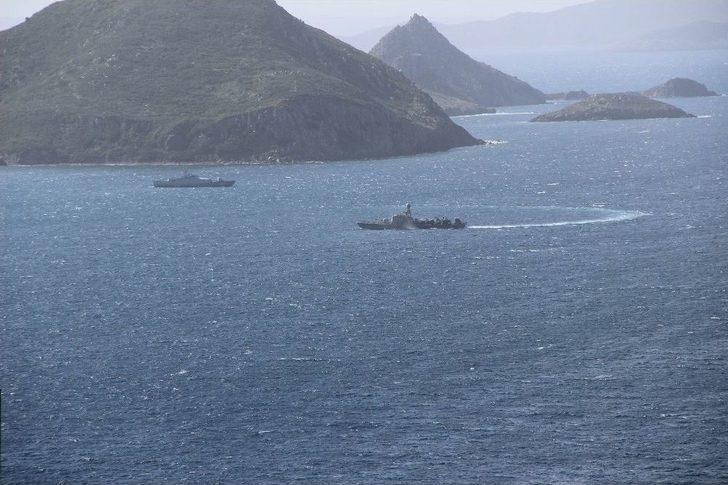 Türk Savaş Gemileri Kardak Kayalıklarından Ayrılmadı