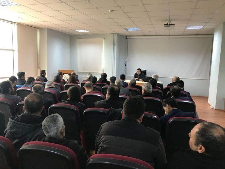 Bahçesaray'da 'kaliteli Eğitim' Konulu Toplantı