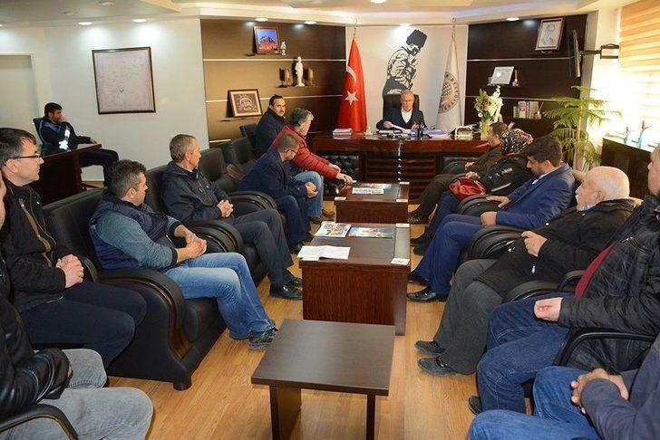 86 Konutlar Sitesi'nin Hak Sahiplerinden Başkanı Acar'a Teşekkür Ziyareti