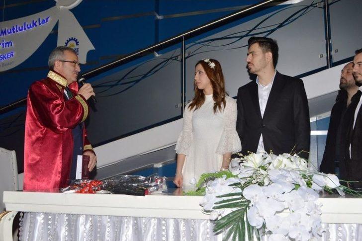 Başkan Köşker'den Genç Çiftlere 14 Şubat Sürprizi